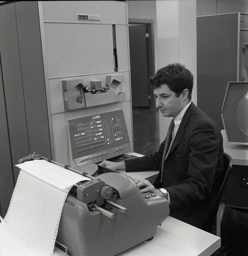 Fredkin working on pdp1.jpg